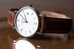 電池切れ腕時計イメージ